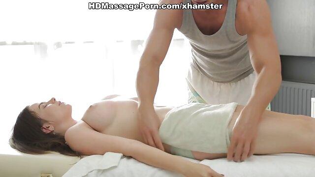 XXX tidak ada pendaftaran  Ayah yang berotot, seorang pria bokep jepang tanpa sensor hd dengan air.